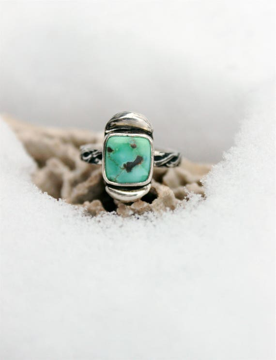 Carico Lake Turquoise Stacker Ring//Repousse//Sterling Silver//Size 5.5