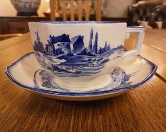 Royal Doulton Norfolk Breakfast Teacup & Saucer, Vintage.