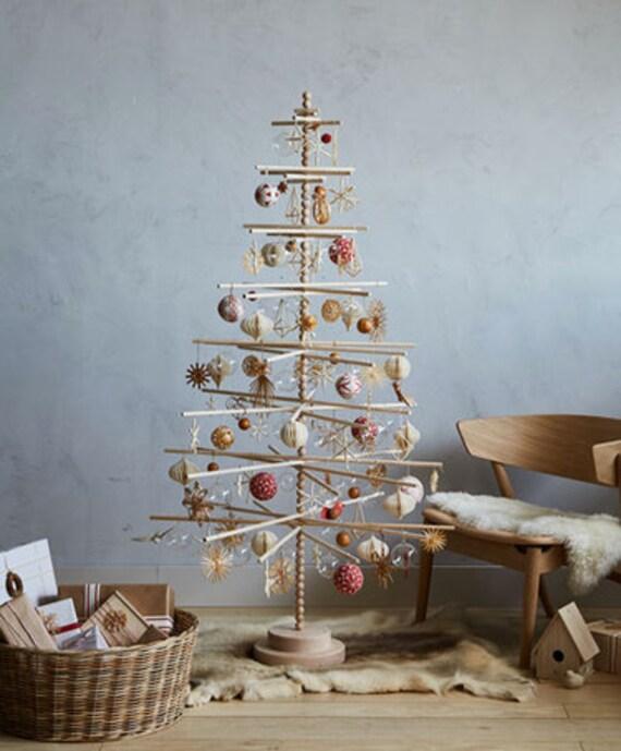 Wood Christmas Tree.7 Foot Beaded Wood Christmas Tree