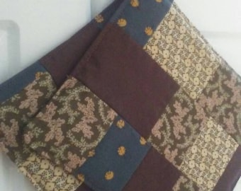 Quilted, vintage inspired pot holder set. Only 3 available in this colour scheme and each one unique!