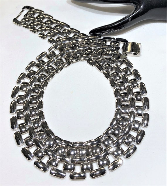 Nice  Vintage Napier Wide Gate Link Chain Necklace