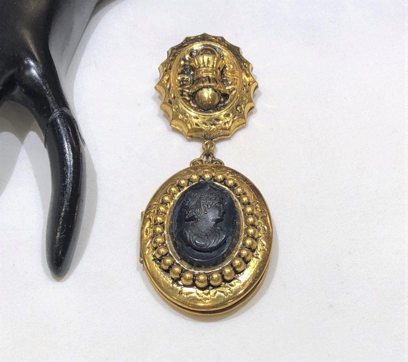 Vintage Victorian Style  Black Resin Carved Lady Cameo DressFur Clip
