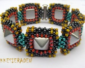English pattern for the  Cheerful studs bracelet