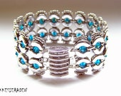 English pattern for the Eyecatcher bracelet