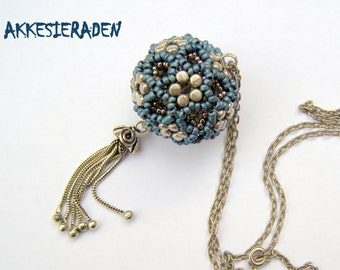 English pattern for the  Beaded bead Roi de Rulla