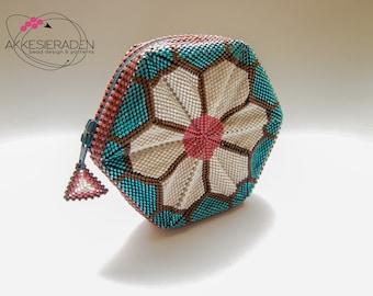 English pattern for the Zipper purse Bloem