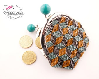English pattern for the coin purse Tumbling blocks