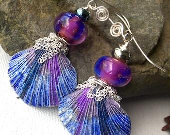 Little Hula's,pretty sassy Violet shell earrings