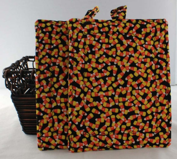 Whimsical Printed Halloween Oven Mitts and Pot Holders