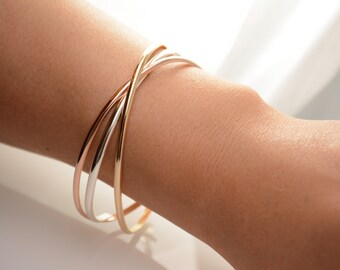 Delicate bracelet. Minimalist bracelet. Sterling silver bracelet. 14K gold filled bracelet. 14K rose gold filled bracelet. Simple bracelet