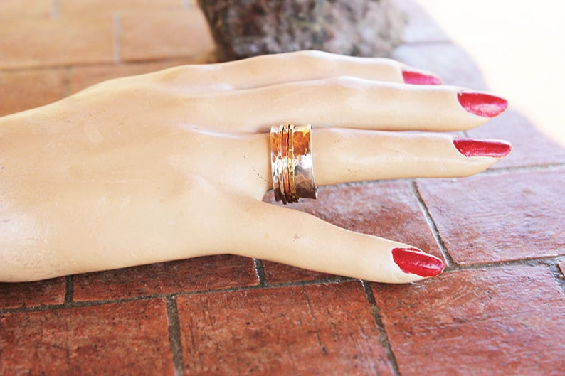 3 bands hammered spinner ring
