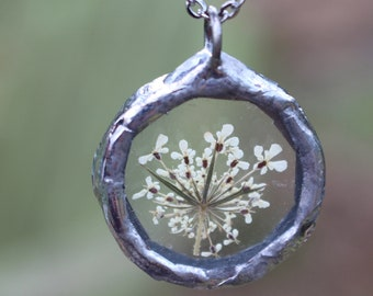Small Queen Anne's Lace Wildflower Pendant Necklace