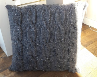Knitted cushion grey 2