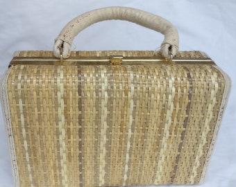 b929b6db3fc Vintage box bag