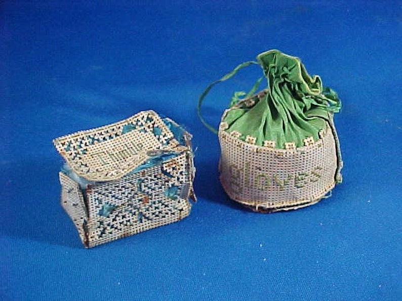 Antique c. 1850 Handmade Embroidered Thimble Case & Glove image 0