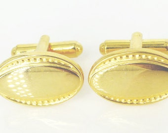 Vintage Edwardian inspired design set of oval cufflinks in a brillant gold finish. Gatsby wedding perfection. Free gift packaging