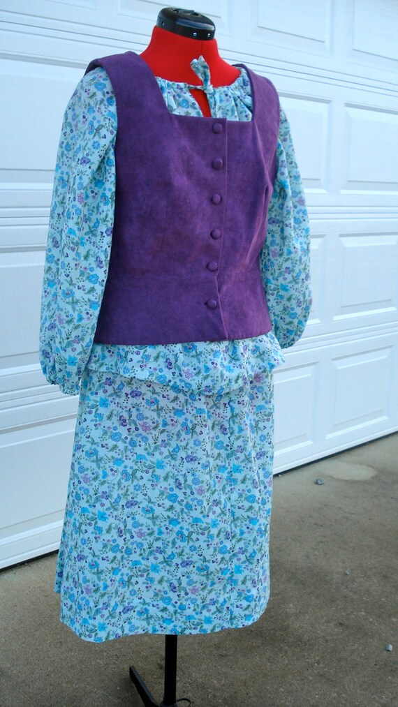 60's Vintage Peasant Dress/Purple Suede Flower Chi