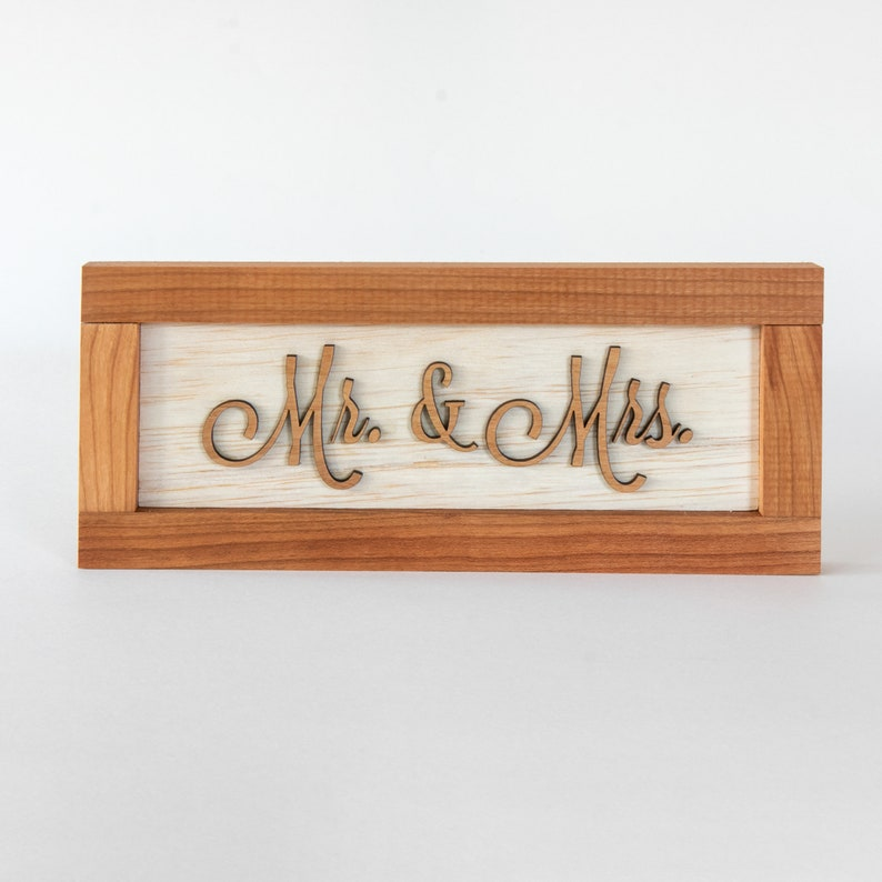 Mr and Mrs Sign image 0