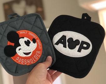 Pass member Inspired Pot holders