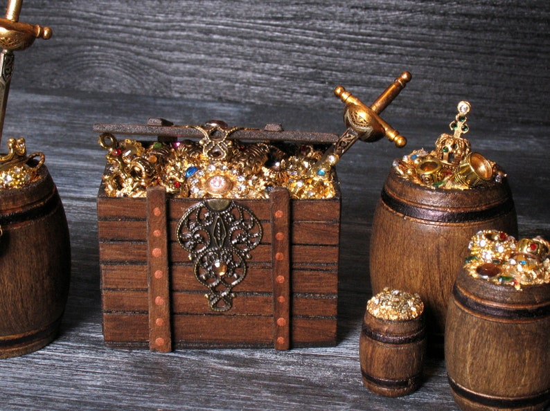 Miniature Treasure Chest for Your Dollhouse image 0