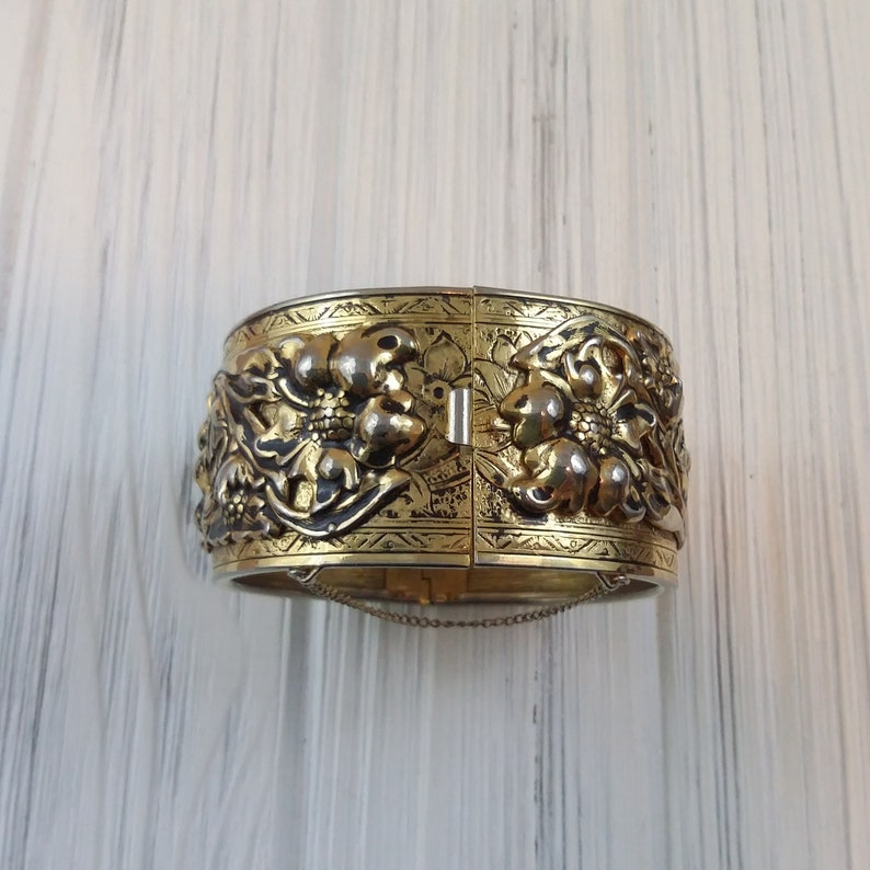 Wide cuff bracelet for women Hinge bangle floral design Safety chain Unsigned