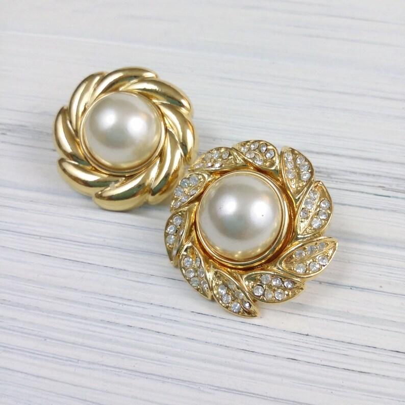 65f3391e9587c Kenneth Jay Lane Mismatched stud earrings Faux pearls Gold wreath  interchangeable earrings Signed KJL jewelry Gold crystal earrings