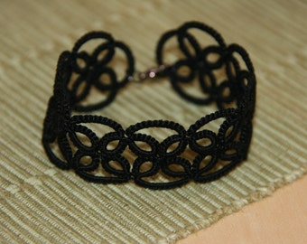 Black tatted bracelet, tatted lace bracelet