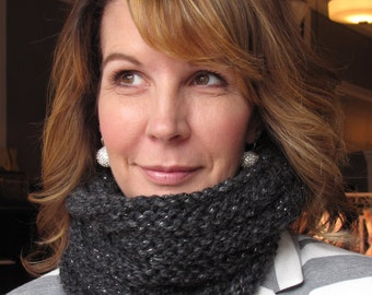 Bulky Mobius Cowl - Constellation