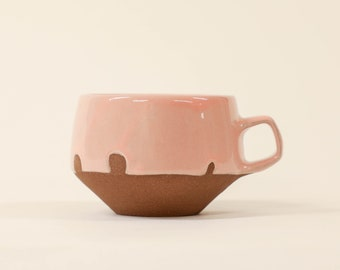 44. Pink Dip Mug. 10oz.