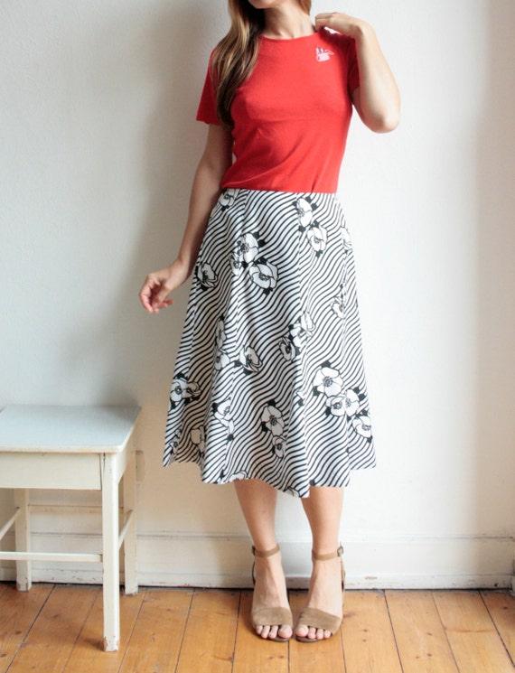 Vintage midi Skirt, retro floral print, 70s, black