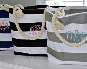 Monogrammed Beach Tote Bag, Bridal Gift Totes, Bridesmaids Gift Bag, Bridal Party Tote, Set of Tote bag for Bridal Party Photo