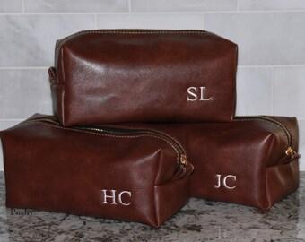 Set of 6 Groomsman Gift, Toiletry bag, Men's Dopp Kit, Best Man gift, Travel Bag, Shaving bag, Monogram, Mens Gift idea's, Weddings