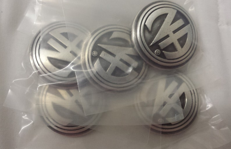 5 Pack of 1 1/4 inch Antique Silver Finish N.A. Concho image 0