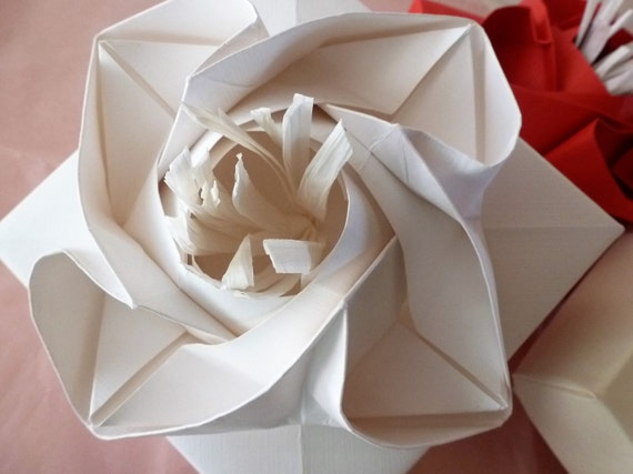 Origami Rose Box :: Caja Rosa - YouTube | 427x570