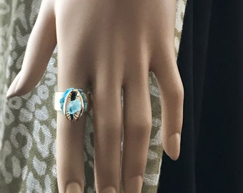 Aquamarine & Blue Apatite Crystals with a Gold Plated Cowrie Shell Ring, Healing Crystals Gold Plated Hammered Ring, March Birthstone