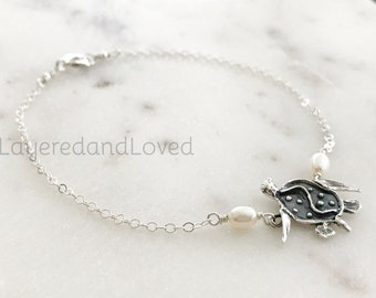 Sterling Silver Sea Turtle Anklet, Freshwater Pearls & Artisan Sterling Silver Turtle Charm, Beach Bride, Beach Jewelry