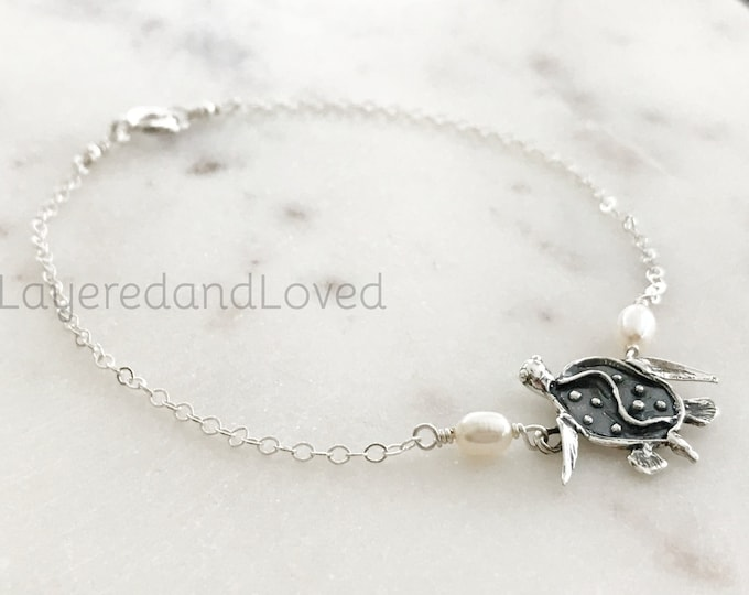 SALE /// Sterling Silver Sea Turtle Anklet, Freshwater Pearls & Artisan Sterling Silver Turtle Charm, Beach Bride, Beach Jewelry