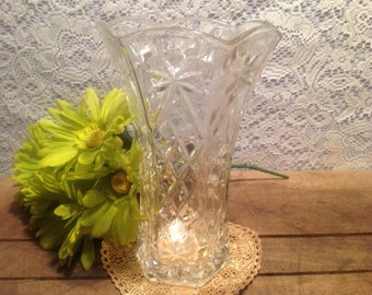 Anchor Hocking Press cut Glass Vase