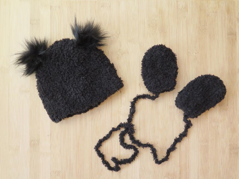 b48e8561ce692 Baby Mittens and Hat Set Baby hat with two faux fur pom poms