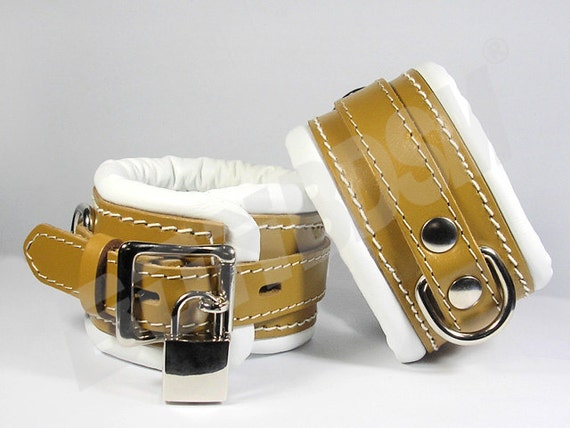 Bondage medical ankle cuffs Mature bdsm fetish restraints suspenders soft padded brown and white genuine leather locking feet cuffs