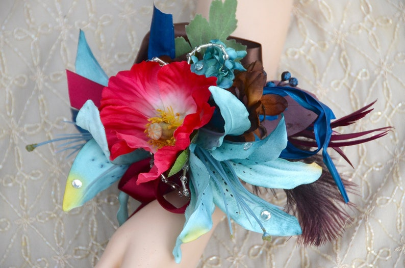 Silk flower Corsage LILY CORSAGE Wristlet Homecoming Wrist Corsage Prom Corsage Boho Large Corsage Blue and Red Corsage