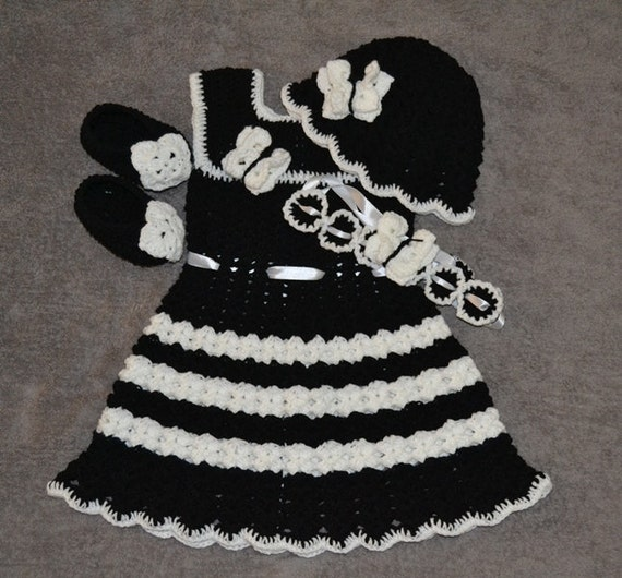 69f8a7044 Crochet black and white baby dress set for one year to two