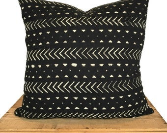 Mudcloth Pillow Cover, African Mud Cloth Pillow, Black and White   'Elliott'