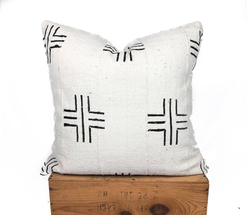 White African Mud Cloth Pillow Cover  Mudcloth Pillow  image 0