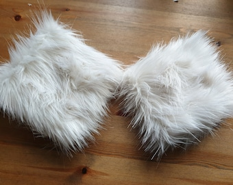 Off White Luxury Faux Fur Cuffs- Faux Suede Lining- Elasticated at One End-Wrist Cuffs-Faux Fur Cuffs-Fluffy Cuffs-Fur Cuffs-White Cuffs