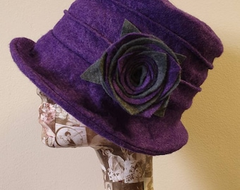 Lovely Purple Wool Felt Hat-Fleece Lining- Cloche Hat-Downton Abbey Hat-1930's Hat-Womens Winter Hat-Womens Felt Hat-Flapper Hat
