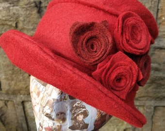 Red Wool Felt Hat-Fleece Lining- Cloche Hat-Downton Abbey Hat-1930's Hat-Womens Winter Hat-Womens Felt Hat-Flapper Hat