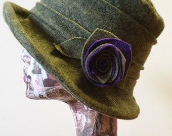 Sage Green Wool Felt Hat-Fleece Lining- Cloche Hat-Downton Abbey Hat-1930's Hat-Womens Winter Hat-Womens Felt Hat-Flapper Hat-Peaky Blinders