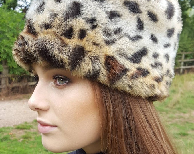 Featured listing image: Animal Print Luxurious Lynx Print Faux Fur Hat with Cosy Polar Fleece Lining