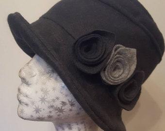 Fully Fleece Lined Grey Wool Felt Hat with Flower Detail.